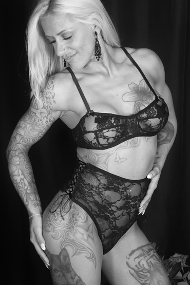 Stripperin Riley aus Berlin